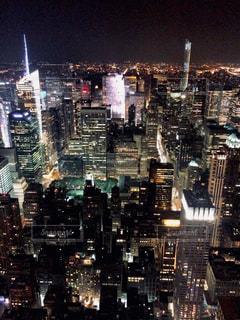 夜の街の景色の写真・画像素材[1042964]