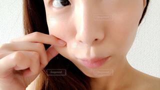 近くの女性のアップの写真・画像素材[1143499]