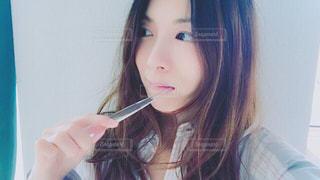 歯を磨く女性の写真・画像素材[1156141]