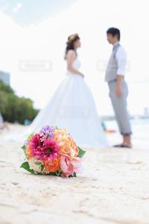 結婚式ビーチ撮影 新郎新婦 - No.1043178