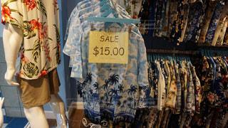 アロハシャツのお店の写真・画像素材[1047269]
