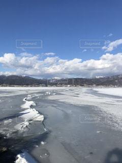 諏訪湖の御神渡りの写真・画像素材[1043739]