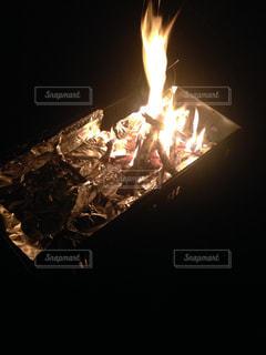 焚き火の写真・画像素材[1055691]