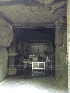 石の部屋 仏様と共にの写真・画像素材[1043952]