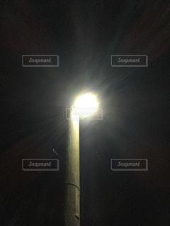 近くの街灯の写真・画像素材[1049781]