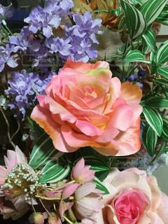 造花一杯の花瓶 - No.1049783