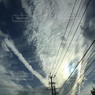 飛行機雲の写真・画像素材[2514324]