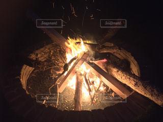 焚き火の写真・画像素材[1058508]
