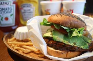 ビックサイズハンバーガーの写真・画像素材[1046113]