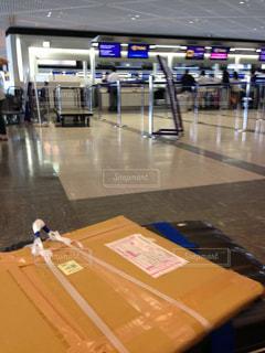 空港の待ち時間の写真・画像素材[1052491]