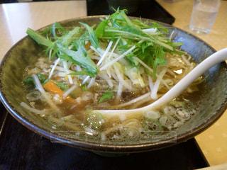 野菜たっぷりしょうゆラーメンの写真・画像素材[1065631]