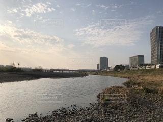 水の体の上の橋の写真・画像素材[1214764]