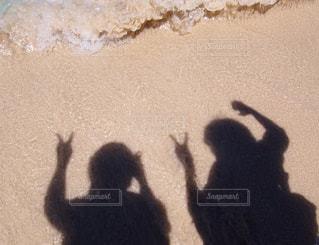 浜辺でピースの写真・画像素材[1045672]