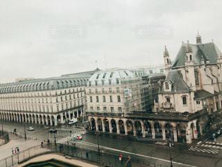 ルーヴル美術館から見た風景の写真・画像素材[1046401]