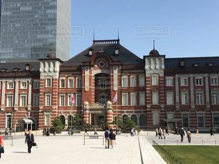 春の東京駅の写真・画像素材[1073067]