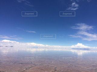 ウユニ塩湖の写真・画像素材[1050453]