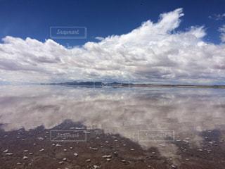 ウユニ塩湖の写真・画像素材[1050455]