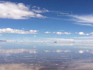 ウユニ塩湖の写真・画像素材[1050456]