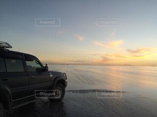 ウユニ塩湖の写真・画像素材[1050461]