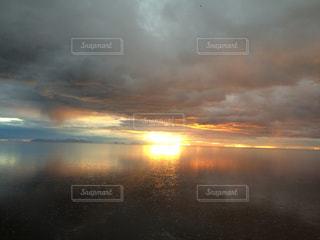 ウユニ塩湖の写真・画像素材[1050482]