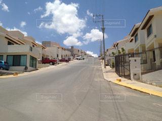 晴れたメキシコの住宅地の写真・画像素材[1047175]
