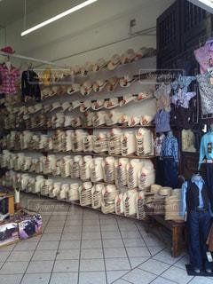 メキシコの帽子屋さんの写真・画像素材[1047176]