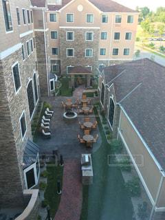 ホテルの中庭 - No.1055453