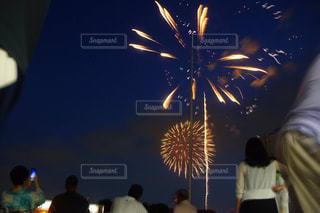 大きな線香花火。の写真・画像素材[1047975]