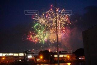 夜空の花火の写真・画像素材[1047976]