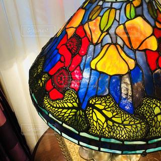 ステンドグラスのライト@神戸洋館の写真・画像素材[1599162]