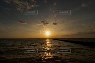 夕暮れの西桟橋の写真・画像素材[2328330]