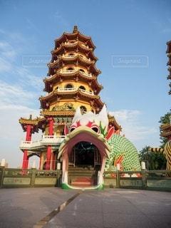 龍虎塔の龍の写真・画像素材[2495505]
