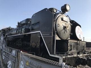 鋼のトラックの列車の写真・画像素材[1053016]