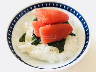 皿のご飯とブロッコリー料理 - No.1051636