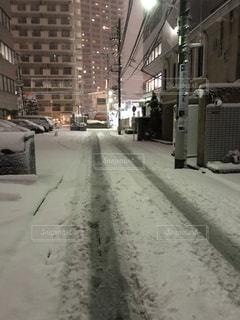 都内の雪道の写真・画像素材[1056139]