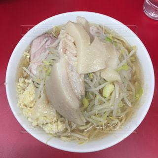 ラーメン二郎神保町店 ヤサイニンニクマシマシアブラカタマリの写真・画像素材[1054035]