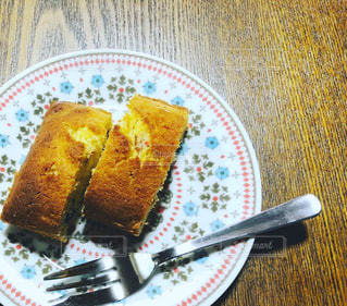 皿の上のケーキ - No.1052612