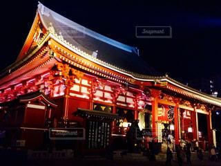 夜の浅草寺の写真・画像素材[1052859]