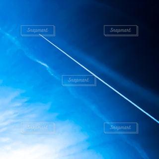 曇り青空の前に明るい光の写真・画像素材[1053274]