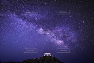 青い空の人の写真・画像素材[1058048]