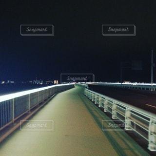 道路の上の橋の写真・画像素材[1054376]