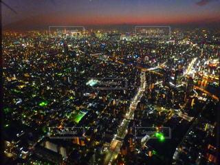 夜の街の景色の写真・画像素材[1055024]