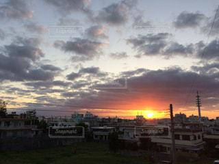 夕暮れ時の景色の写真・画像素材[1054955]