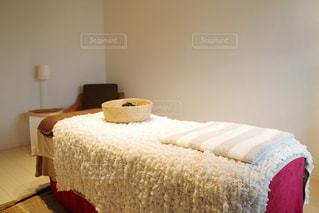 個室サロンのリラクゼーションルームの写真・画像素材[1056504]