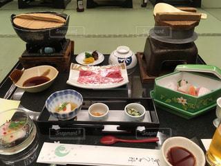 温泉宿の夕食の写真・画像素材[1056521]