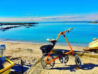 海辺の自転車通勤の写真・画像素材[1058867]