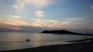 夏の夕方の写真・画像素材[1060020]