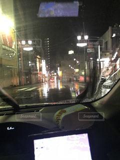 雨の日の運転の写真・画像素材[1058426]