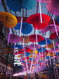 カラフルな傘inハウステンボスの写真・画像素材[1073228]