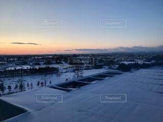 雪国の夜明けの写真・画像素材[1059910]